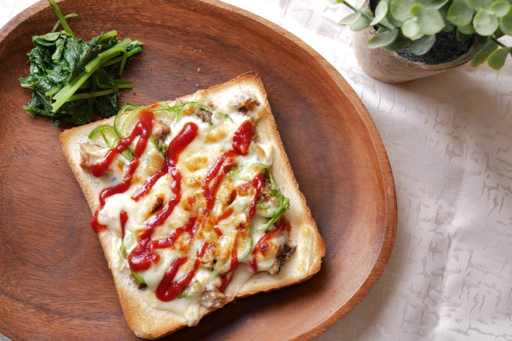 鯖味噌ピザトースト