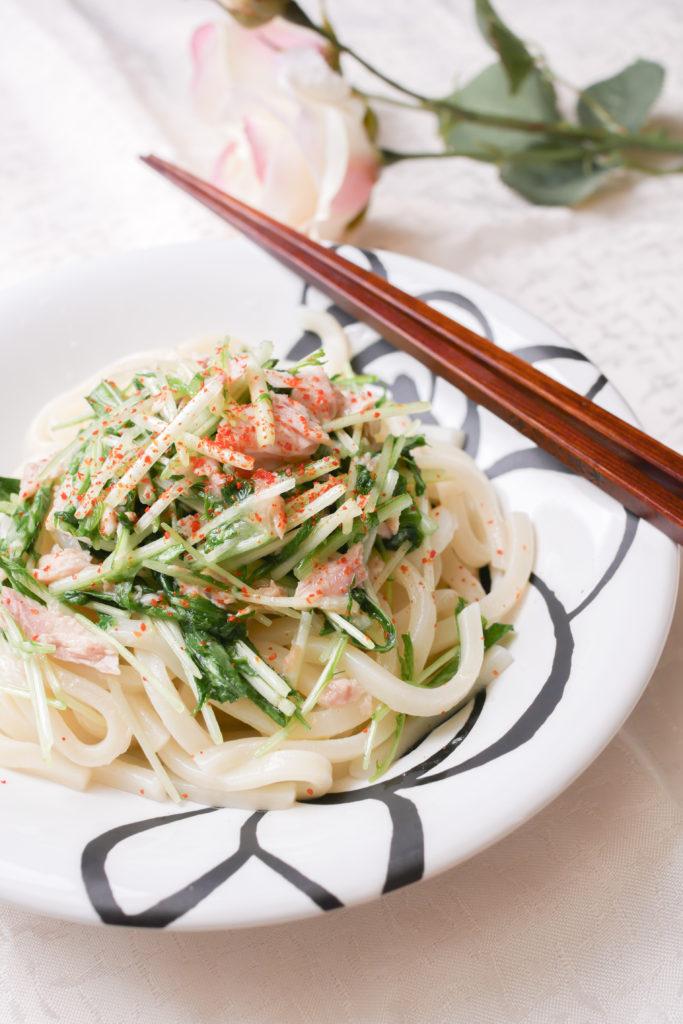 野菜が食べやすいペペロン味の温うどん