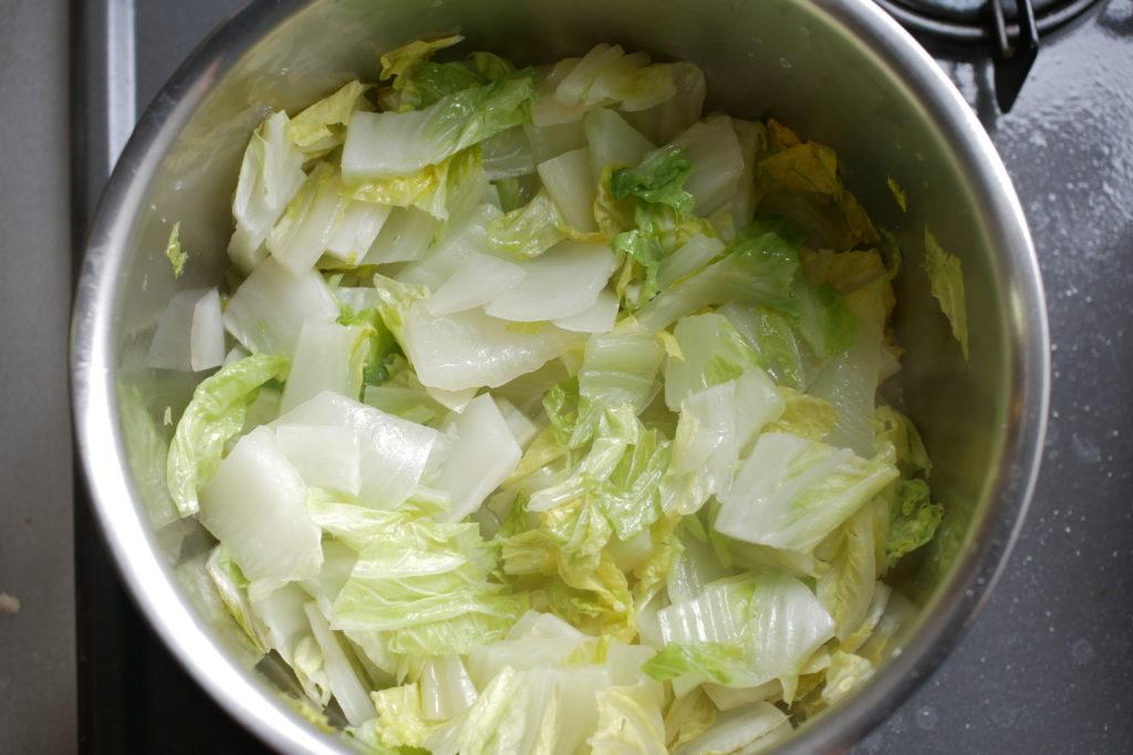 白菜を蒸す