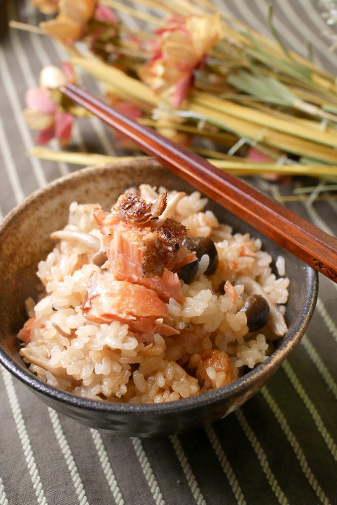 鮭と鮭としめじの炊き込みご飯